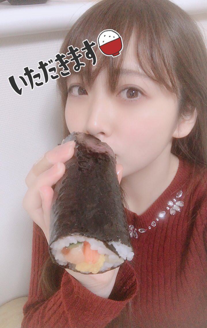 又长又黑的惠方卷 美女吃惠方卷的浮想联翩 3