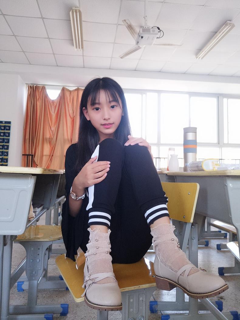 点击领取一只可爱小女友@微博福利 蓓蓓 宿舍 教室自摄 6
