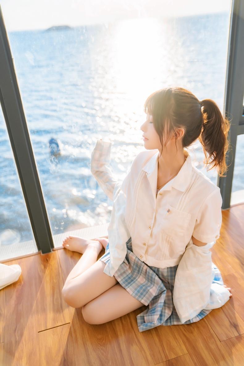 桜桃喵 - 民宿JK制服感光 1